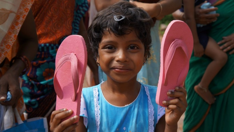 sandal-distribution-2013